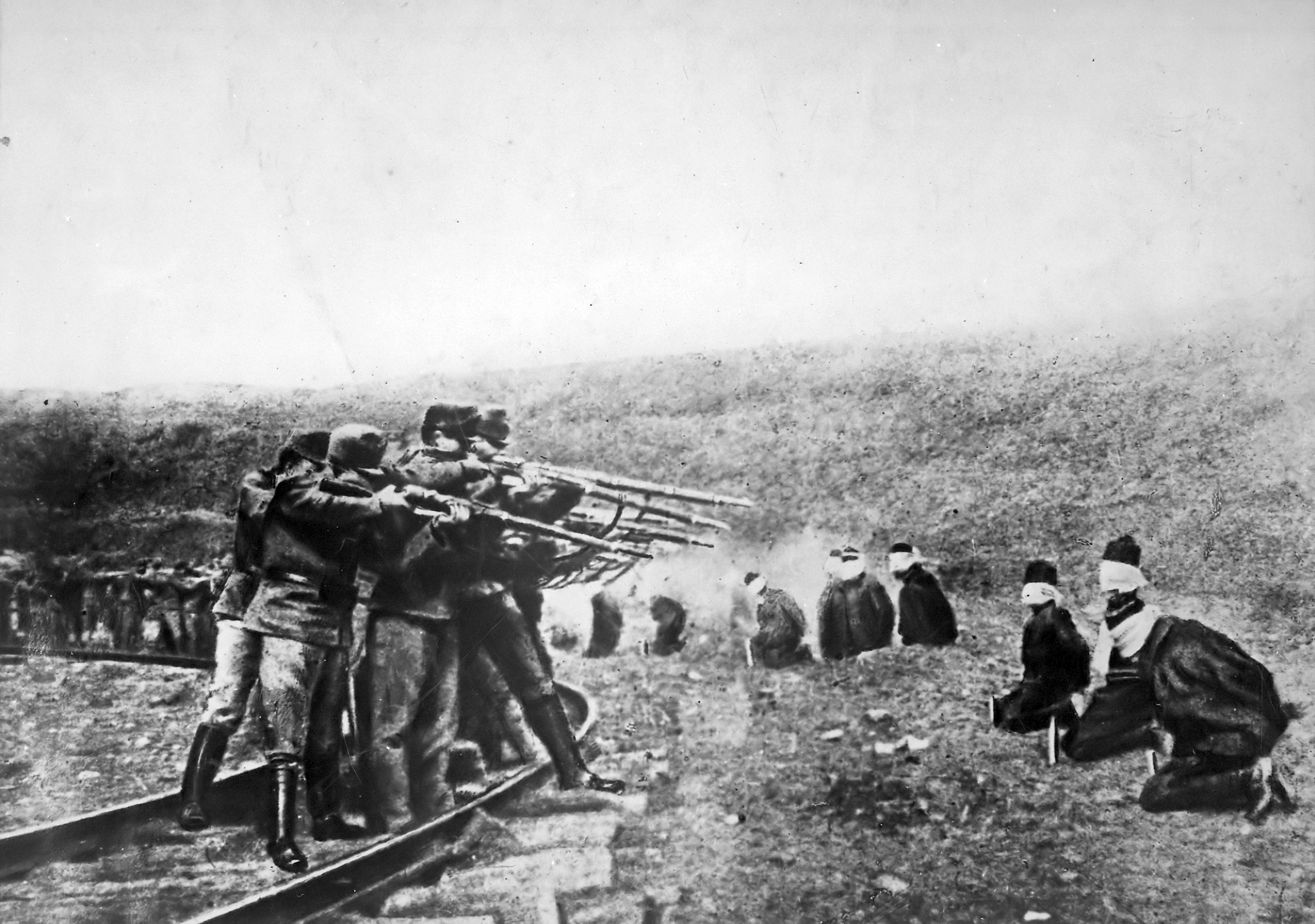Austrians executing Serbs, World War One, date uncertain