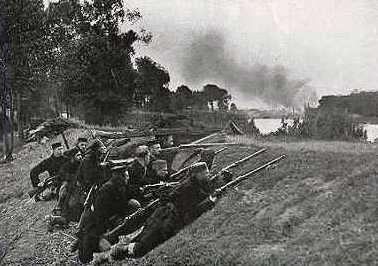 Outgunned Belgian troops defending Antwerp, October 1914
