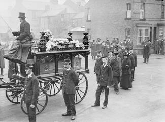 Funeral of postman Alfred Beal, killed in German naval bombardment of Whitby, 16 December 1914