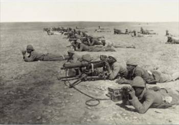 Turkish troops attack British forces at the Suez Canal.
