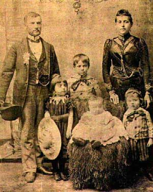 A Jewish family in Galicia, date uncertain, probably 1915.