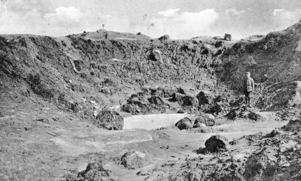 The Hooge crater, 1915.