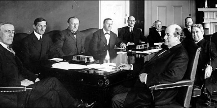Wilson's cabinet. Wilson, far left with Bryan right foreground.