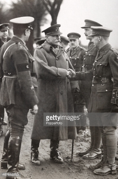 Field Marshall Sir Douglas, center, commander of British forces on Western Front.