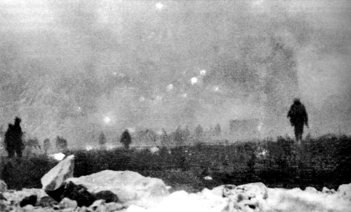 British troops advance through their own gas attack, Loos, September 25, 1915