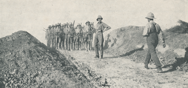 British troops at Kut in Mesopotamian desert.