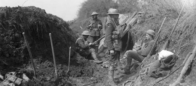 New Zealand troops dig in on Gallipoli, 1915.
