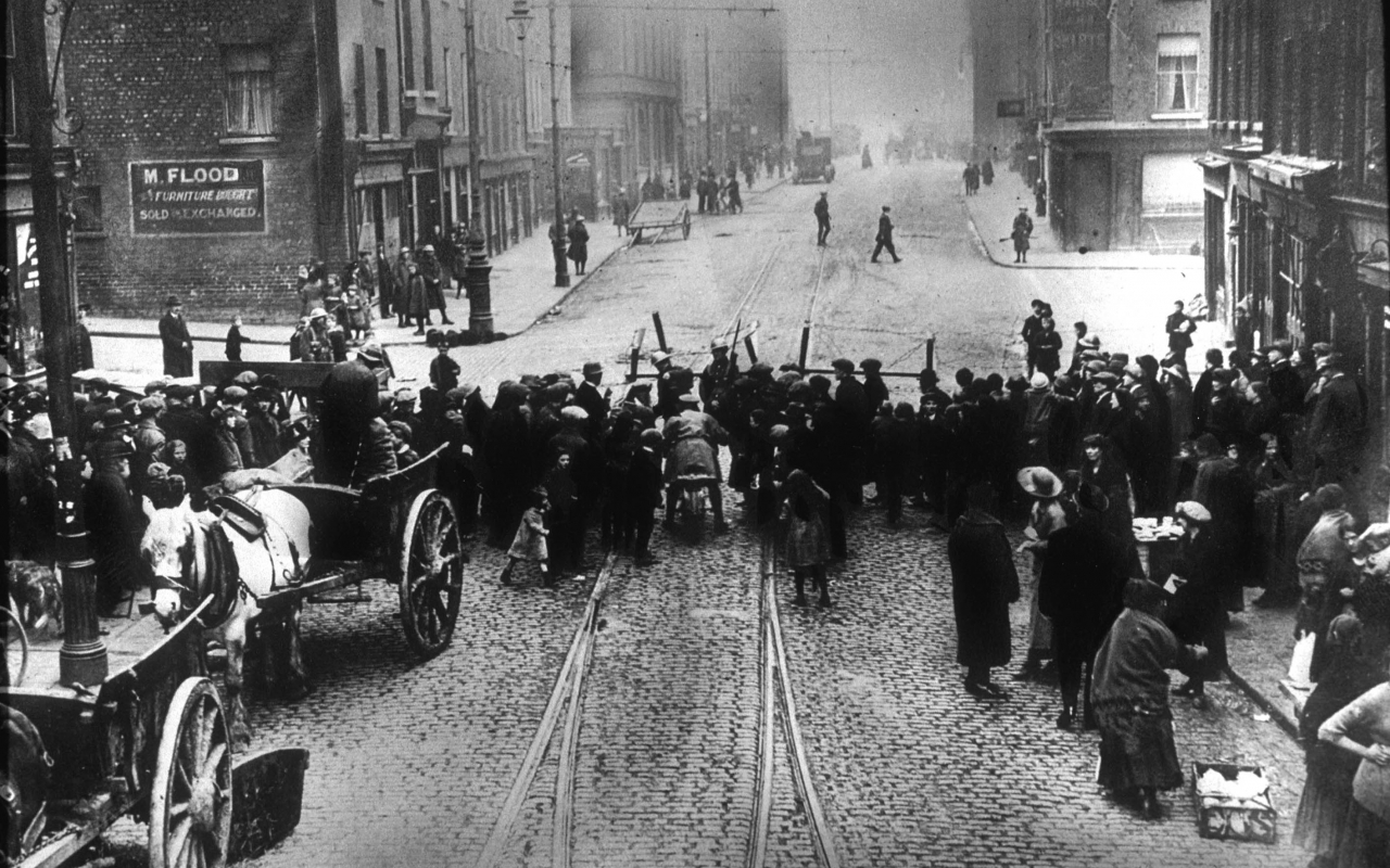 Police build barricades in central Dublin during Easter Uprising, April 1916.