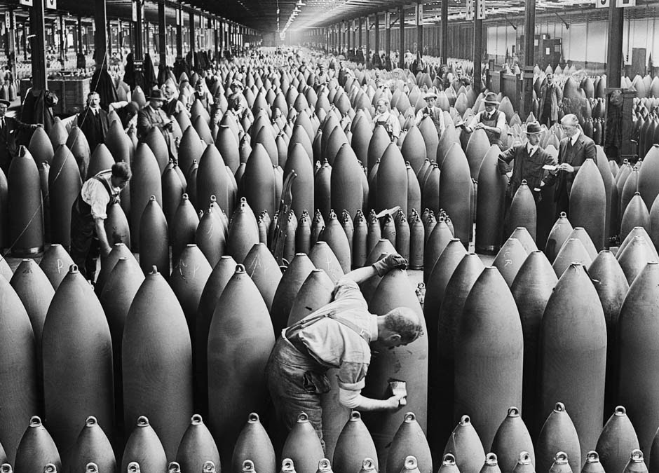 Shell preparation in British munitions factory.