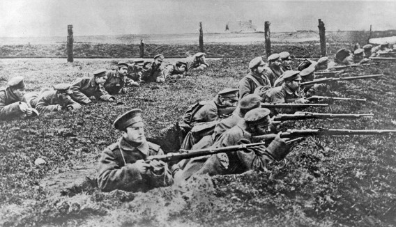 Russian troops secure defensive positions during the Brusilov offensive, spring 1916.