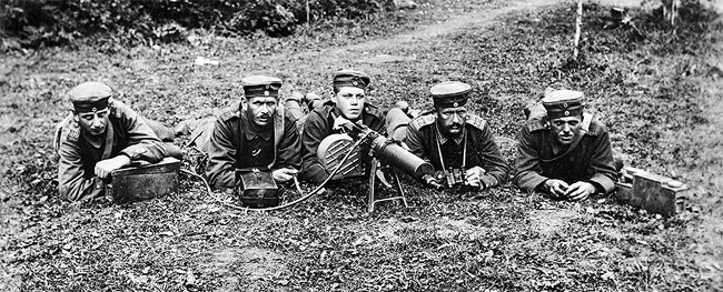 German machine gun unit at the Somme, July 1916.